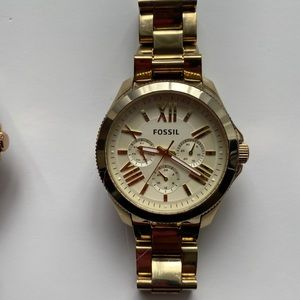 Pre loved authentic cream faced Fossil watch